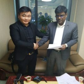 India Customers Sign The Purchasing Contracts